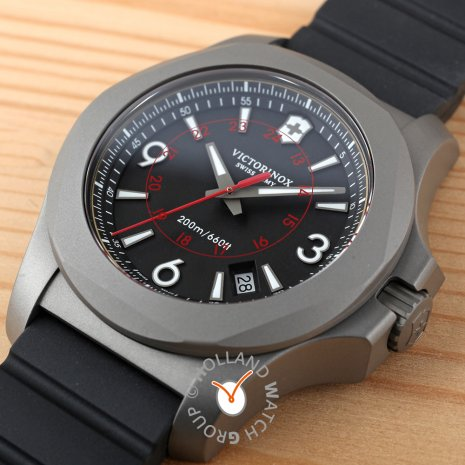 Titanium swiss diving watch with case guard Collection Automne-Hiver Victorinox Swiss Army